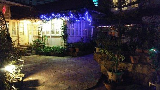 Aerodene Cottage: 20161220_191031_large.jpg