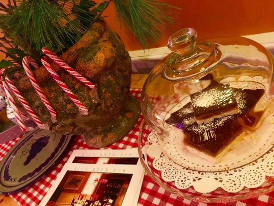 Millbrook, Nowy Jork: Chocolate caramel shortbread for the holidays!