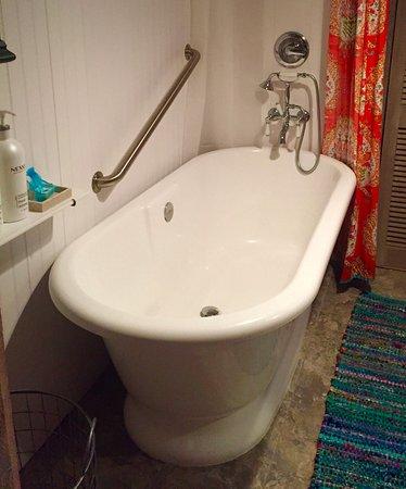 Millbrook, NY: Carriage House Bath, ahhhhhhhhhh !
