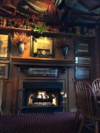 North Kansas City, MO : Enjoy the fire while having dinner!