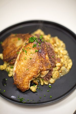 Penn Valley, CA: Crispy Chicken  with spaetzle