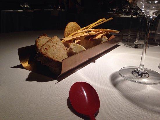 Lamporecchio, إيطاليا: Cucina a vista e cestino pane