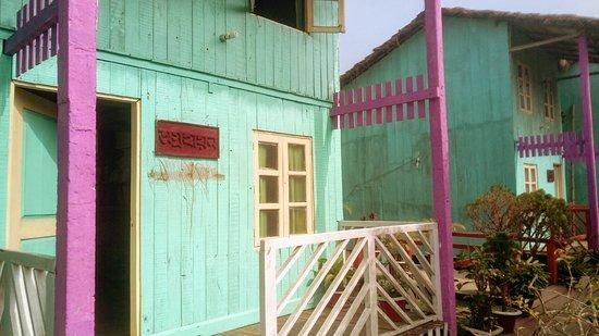 Padma Resort: Cottage entry