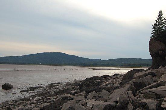 Hopewell Cape, Καναδάς: Über die Steine zum Demoiselle Beach