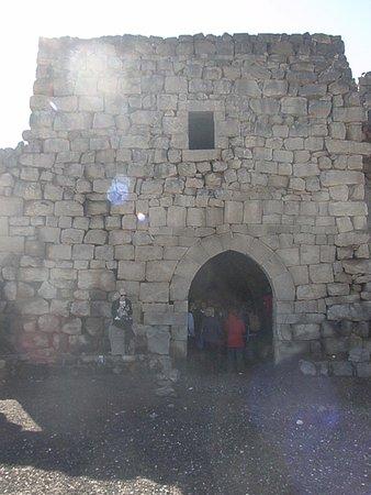 Azraq, Jordania: Castle front Tower
