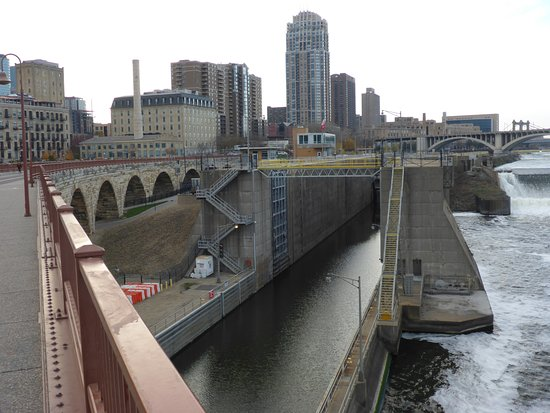 St. Anthony Falls: Lock & Corp of Engineers HQ