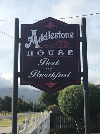 Addlestone House Bed and Breakfast: photo1.jpg