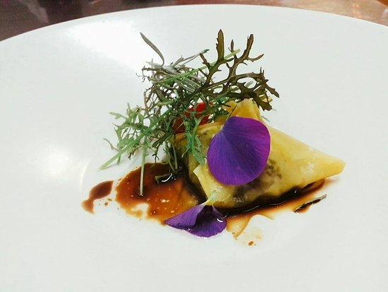 Tarbena, Spanyol: Ravioli al vapor,camaiot,apio y setas