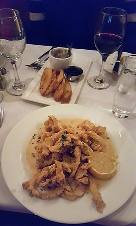 Halifax, Βιρτζίνια: Heavenly calamari!
