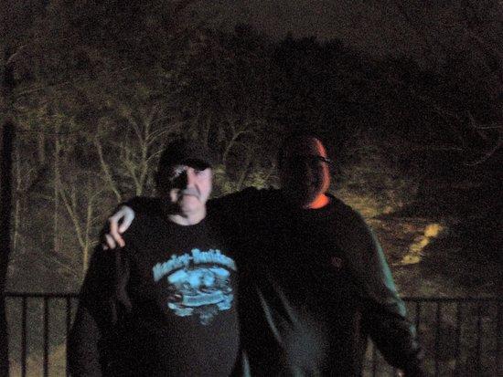 Hawley, Pensilvania: Dad and I on the balcony at Harmony Presents