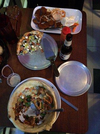 Luke 'n Ollie's Pizzeria: photo4.jpg