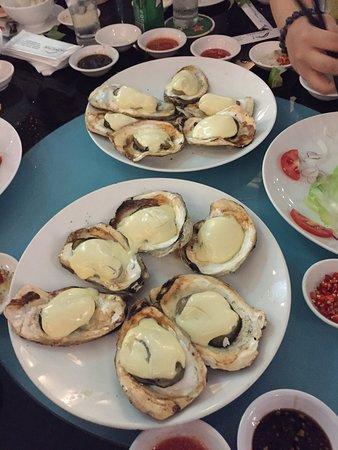 Hong Hai Seafood: Huîtres à la vache qui rit