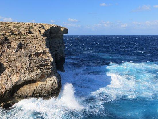 Xaghra, Malta: stormy see at ghasri