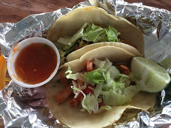 Wauchula, FL: Great steak Torta, chicken tacos & steak gorditas