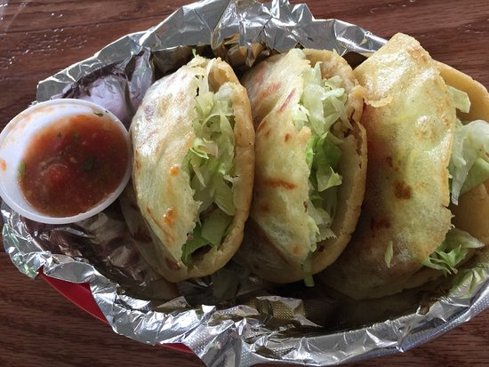 Wauchula, Φλόριντα: Great steak Torta, chicken tacos & steak gorditas