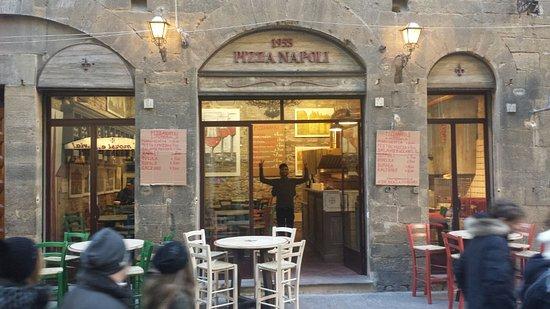 Resultat d'imatges de pizza napoli firenze