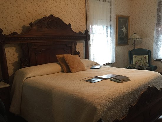 Beauclaire's Bed and Breakfast Photo
