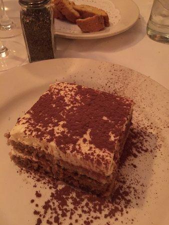 Photo of Italian Restaurant Elio's at 1621 2nd Ave, New York, NY 10028, United States