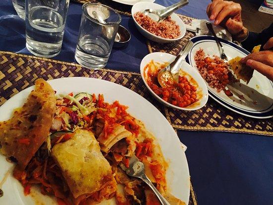 Jina's Vegetarian and Vegan Restaurant: photo1.jpg