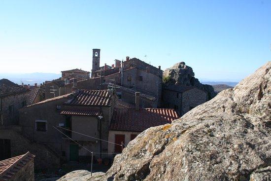 Roccatederighi, Włochy: i tetti