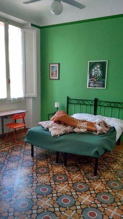Hotel Ferretti: immagine 2 della stanza tripla con bagno esterno