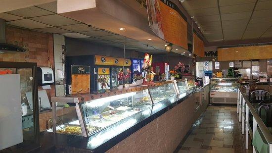 MultiCafe: cafeteria-style service