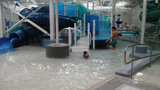 indoor water park - Picture of Beachwoods Resort, Kitty Hawk