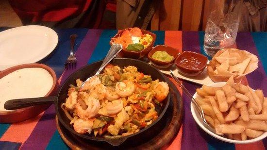 Vera Cruz : Fajitas Mixte met scampi's en kip (voor 2 personen)