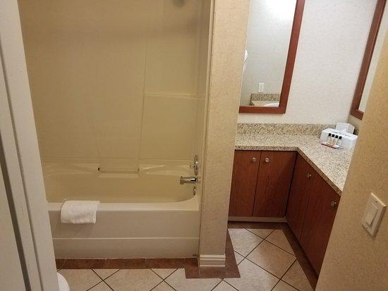 Peace River, Kanada: Large bathroom
