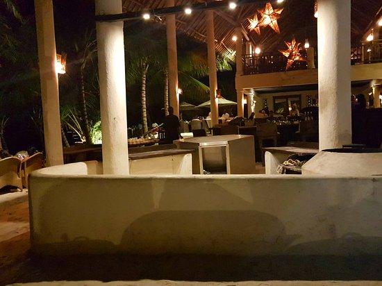 Swahili Beach Resort: 20170107_205811_large.jpg