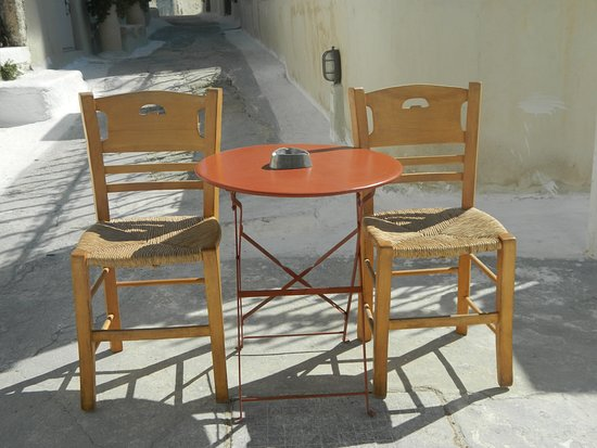 Emporio, กรีซ: chairs