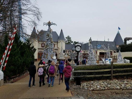 Christmas Town Busch Gardens FRANCE