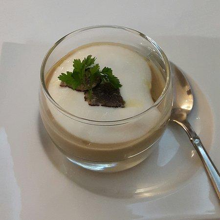 Cep Mushroom cappuccino pre-starter at La Tour, Sancerre