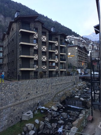 Hotel Arinsal: Lovely views from our balcony!