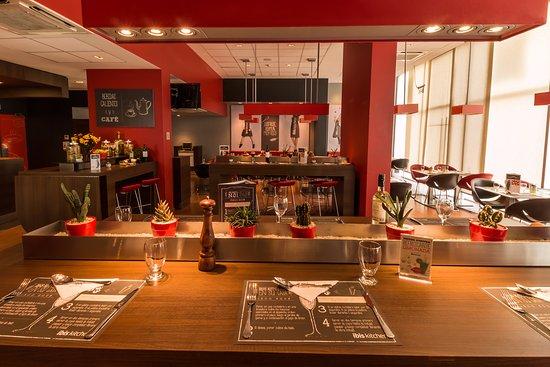 Ibis Santiago Manquehue Norte: Restaurant Ibis Kitchen