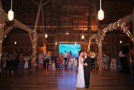 Sparta, WI: Wedding dance in our Elegant Barn