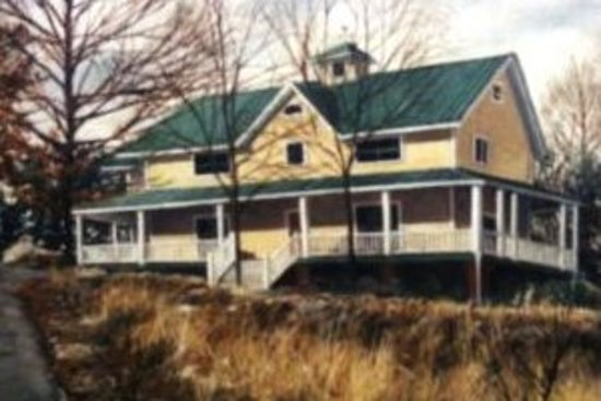 Rooster Hill Bed & Breakfast: FRONT VIEW