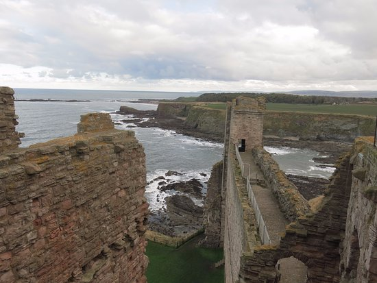 North Berwick, UK : Tantallon Castle