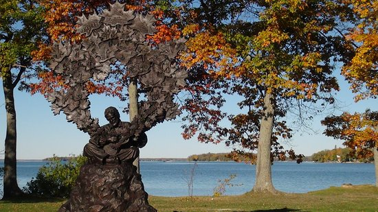 Gordon Lightfoot sculpture, Tudhope Park, Orillia, Ontario