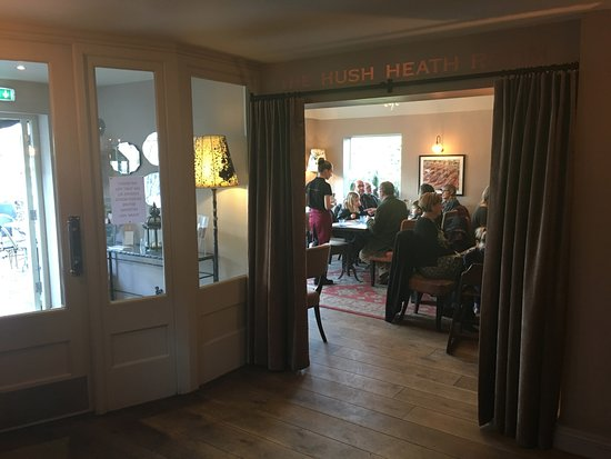 Goudhurst, UK: The exclusive Hush Heath Room (where we was)
