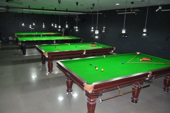 Navsari, India: First Break Snooker & Pool