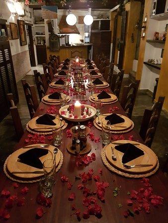 Posada Lagunita: Zona da pranzo con caratteristica tavolata, per meglio socializzare con altri ospiti.