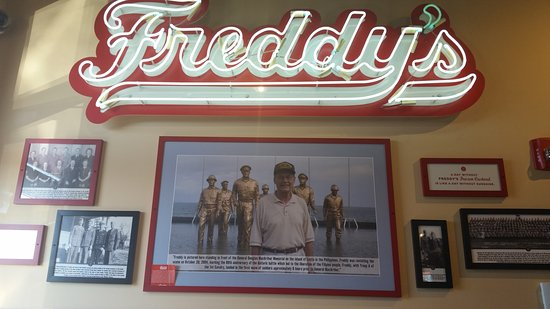 Lenexa, KS: Freddy's Frozen Custard and Steakburgers