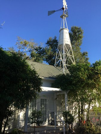 Grandview Bed and Breakfast: Windmill Cottage