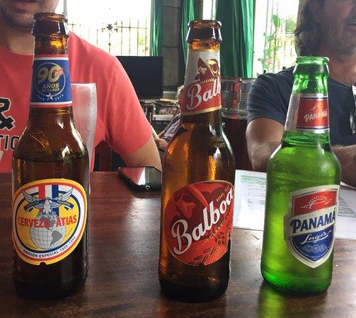 Mike's Global Grill: Estas son las tres cervezas panameñas que tenian. Las tres las probamos, para mi gusto son light