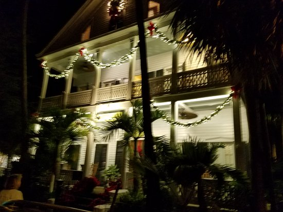 Old Town Manor: 20161230_212027_large.jpg