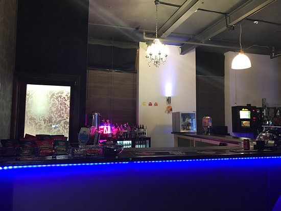 Бери, UK: The bar at the Arcade Club