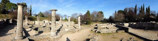 Saint-Remy-de-Provence, France: Interesting site