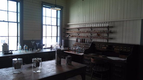 Thomas Edison National Historical Park: One of the few rooms where there was enough light to take a photo w/o flash.