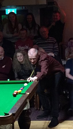 Curry, Irlanda: Super night in Yeats County Inn, exhibition with Steve Davis; top notch.